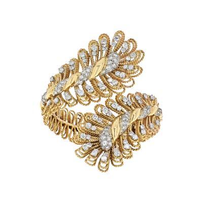 David Webb DAVID WEBB 18K YELLOW GOLD ORNATE CROSSOVER DIAMOND BRACELET