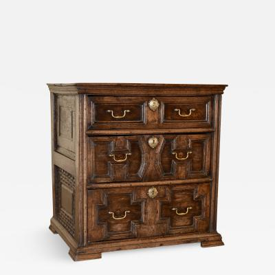 Early 18th Century English Oak Chest Drawers