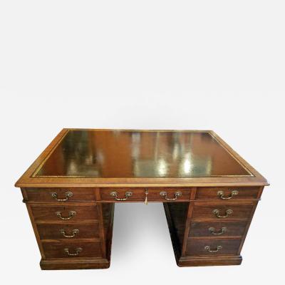 Early 19th Century William IV Mahogany Partners Desk