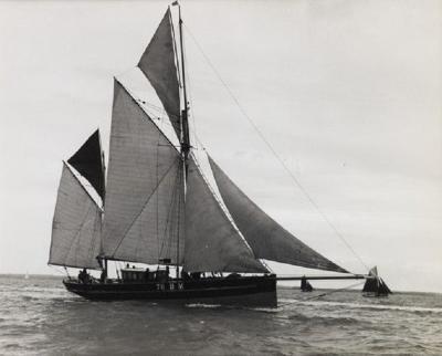 Early silver gelatin photo print by Beken of Cowes Brixam trawler BM76
