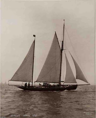 Early silver gelatin photo print by Beken of Cowes Yacht Norena