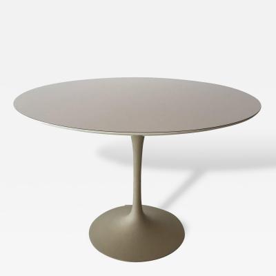 Eero Saarinen Early Production Tulip Dining Table by Eero Saarinen for Knoll Associates