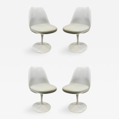 Eero Saarinen Eero Saarinen Set of Four Tulip Chairs Knoll Labels Present