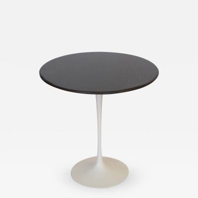 Eero Saarinen Eero Saarinen for Knoll Round Oak Top Side Table Signed USA 1970s