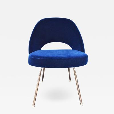 Eero Saarinen Knoll Eero Saarinen Armless Executive Chair 5 Available in Mohair