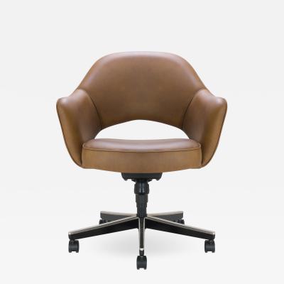 Eero Saarinen Saarinen Executive Arm Chair in Leather Swivel Base