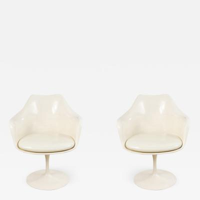 Eero Saarinen Set of 4 4 Mid Century White Tulip Arm Chairs