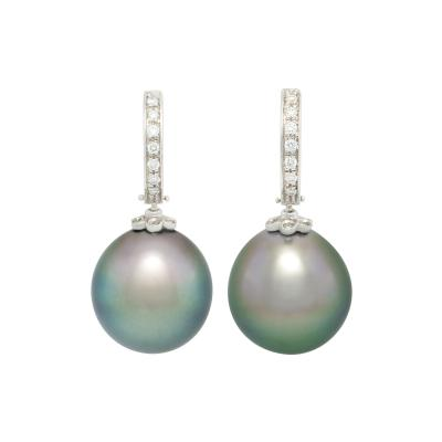 Ella Gafter Ella Gafter Black Tahitian Pearl and Diamond Earrings White Gold Hoop Drop