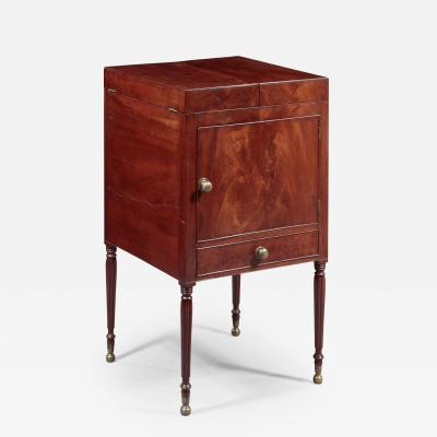 Federal Dressing Stand