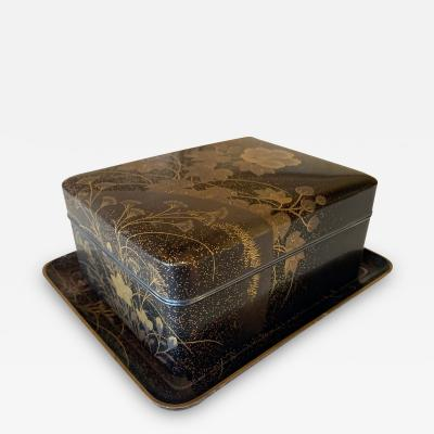 Fine Japanese Set of Lacquer Maki e Box and Tray with Meiji Period