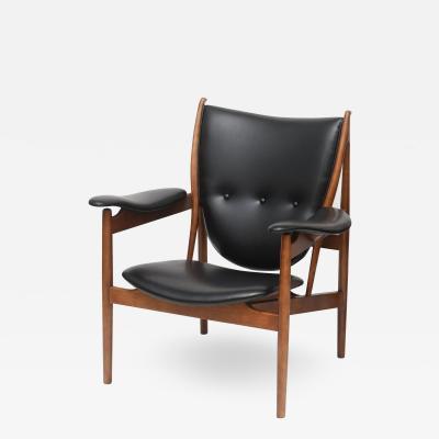 Finn Juhl Danish Modern Armchair Chieftain designed by Finn Juhl for Niels Vodder