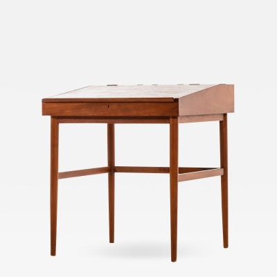 Finn Juhl Desk NV 40 Produced by Cabinetmaker Niels Vodder