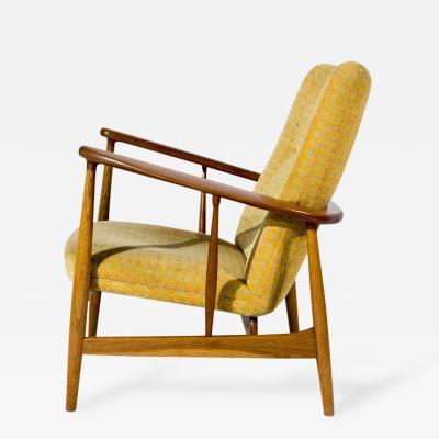 Finn Juhl Pair of Finn Juhl SW 86 Lounge Chairs