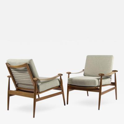 Finn Juhl Spade Lounge Chairs by Finn Juhl for France Daverkosen