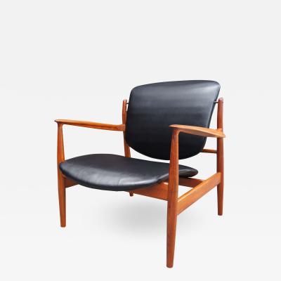 Finn Juhl Teak Lounge Chair model FD136 by Finn Juhl for France Daverkosen