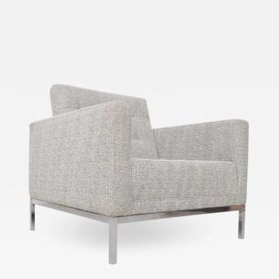 Florence Knoll 1950s Florence Knoll Office Lounge Chair Relaxed Tuxedo Armchair by KNOLL