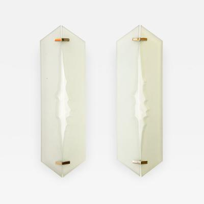 Fontana Arte Wall lights in sandblasted glass by Fontana Arte circa 1960