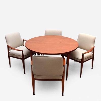 Frank Kyle Dinning Set with 6 Chairs