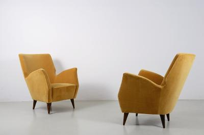 Fratelli Rizzi Fratelli Rizzi pair of 1950s armchairs with velvet upholstery