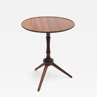 Frits Henningsen CIRCULAR SIDE TABLE IN SOLID MAHOGANY BY CABINETMAKER FRITS HENNINGSEN