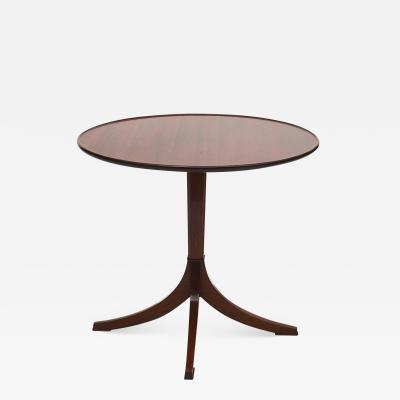 Frits Henningsen FRITS HENNINGSEN MAHOGANY SIDE TAFRITS HENNINGSEN MAHOGANY SIDE TABLE