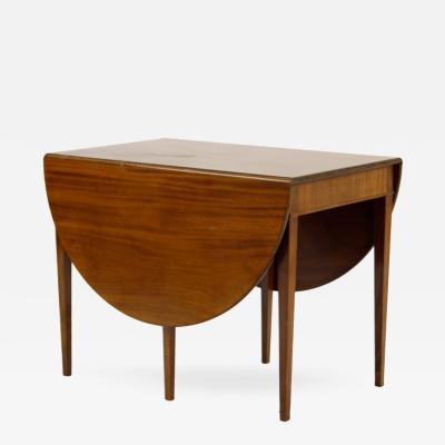 Frits Henningsen Table