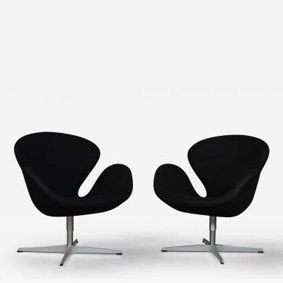 Fritz Hansen Arne Jacobsen Swan Lounge armchair model 3320 Brown label