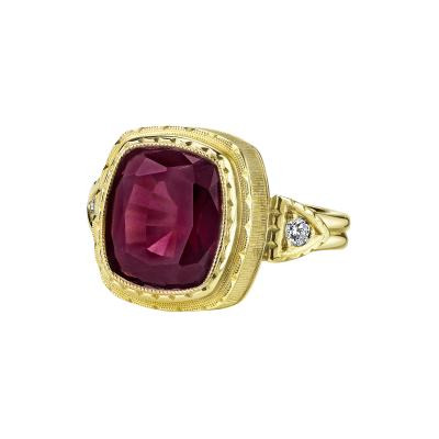 Garnet and Diamond Ring 18 Karat Yellow Gold