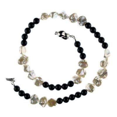 Gemjunky Elegant 19 Inches Black Onyx and White Pearl necklace