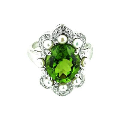 Gemjunky Romantic Peridot in Sterling Silver Ring