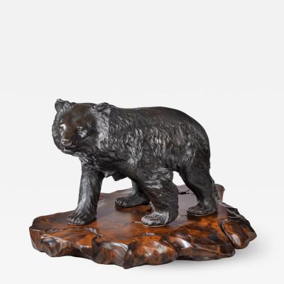 Genryusai Seiya A large Meiji period bronze bear by Genryusai Seiya