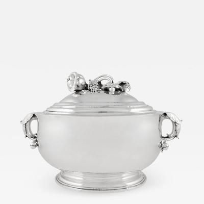 Georg Jensen Large Georg Jensen Tureen 299A