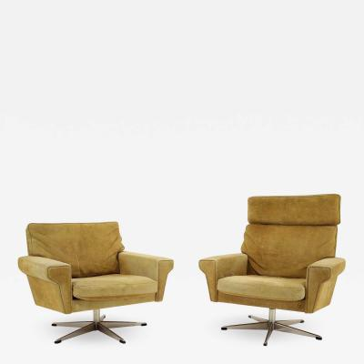 Georg Thams Pair Of Georg Thams Swivel Chairs In Suede Leather Denmark 1970s