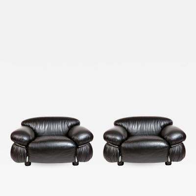 Gianfranco Frattini Pair of Black Leather Lounge Chair by Gianfranco Frattini