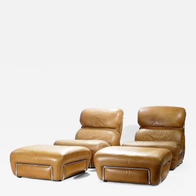 Gianfranco Frattini Pair of leather armchairs with ottomans Gianfranco Frattini 1970s