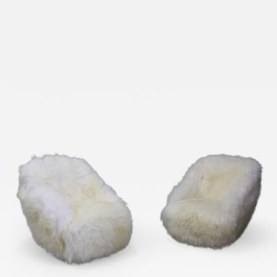 Gio Ponti Gio Ponti Pair of MidCentury armchairs for Casa e Giardino in white sheepskin
