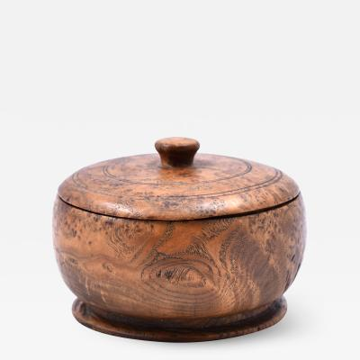 Good late 18th early 19th C American ash burl covered bowl