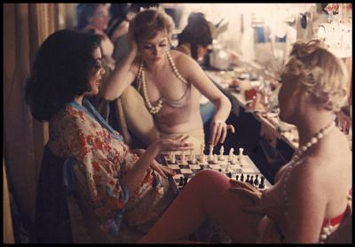 Gordon Parks Showgirls Play Chess Backstage at the Latin Quarter Nightclub 70 048 1958