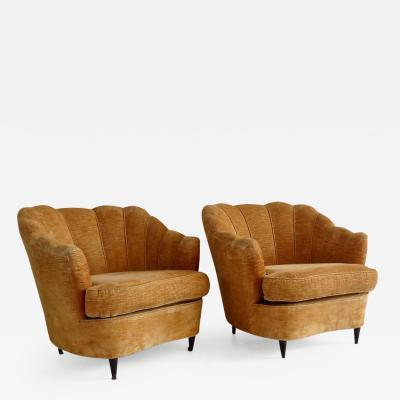 Guglielmo Ulrich Pair of Large Armchairs Attributed to Guglielmo Ulrich 1950