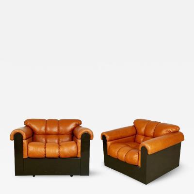 Guido Faleschini Guido Faleschini for Mariani Tufted Leather Lounge Chairs