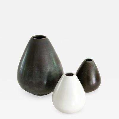 Gunnar Nylund GUNNAR NYLUND GROUP OF 3 VASES CHARCOAL AND LIGHT GRAY