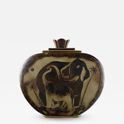 Gunnar Nylund Large unique hand crafted Art Deco Flamb lidded jar with elephant motifs