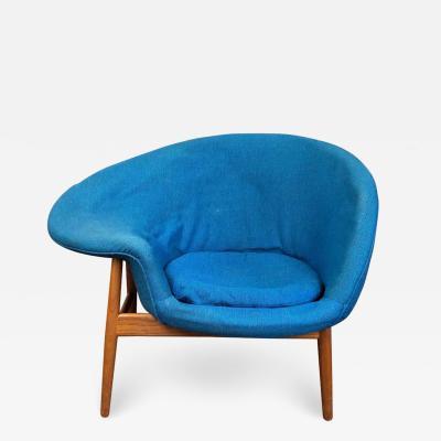 Hans Olsen Hans Olsen Fried Egg Chair with Teak Frame circa 1956
