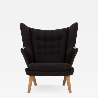 Hans Wegner AP 19 Papa Bear chair in brown wool