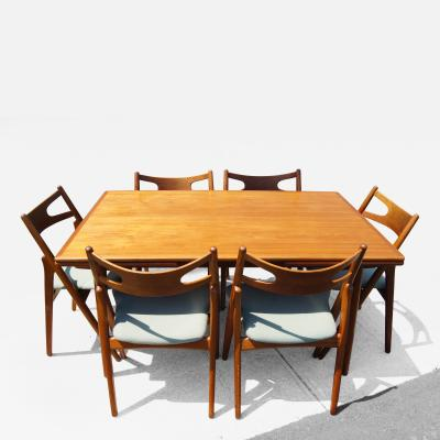 Hans Wegner Dining Table and Six Chairs by Hans Wegner