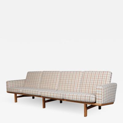 Hans Wegner Hans J Wegner Four pers sofa GE236 4