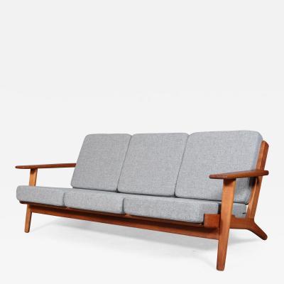 Hans Wegner Hans J Wegner Three pers oak sofa model GE 290