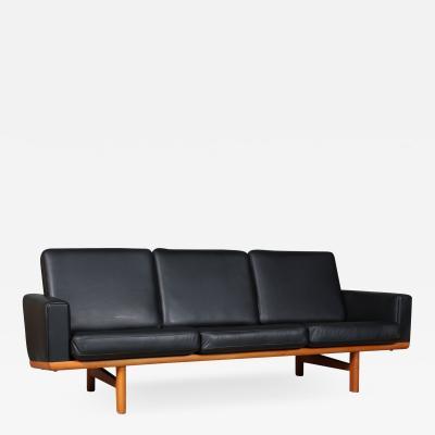 Hans Wegner Hans J Wegner Three pers sofa of oak model GE 236 3