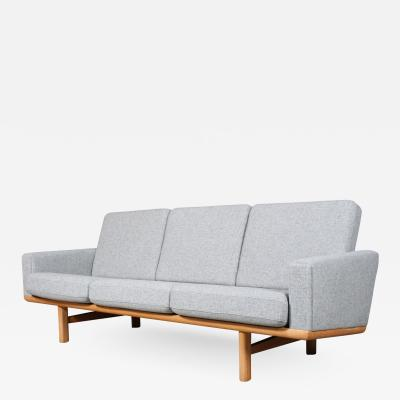 Hans Wegner Hans J Wegner sofa model GE 236 3 Hallingdal