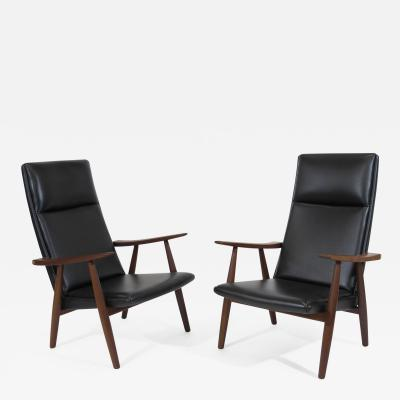 Hans Wegner Hans Wegner 260 High back Lounge Chairs in New Black Leather a Pair